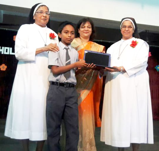 uploads/Olympiad-functions-and-Organization/Olympiad National Topper At School Function.jpg